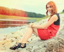 Nieperfekcyjna Kasia w czerwono-czarnej sukience