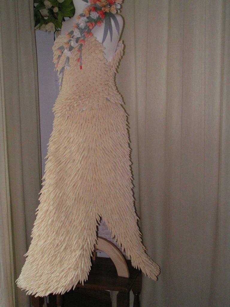 sukienka z bibuly