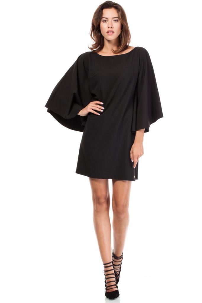 sukienka z nietoperzowymi rękawami