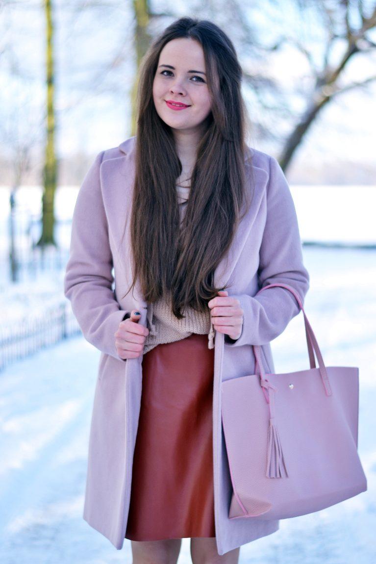 ruda spódnica ze skóry