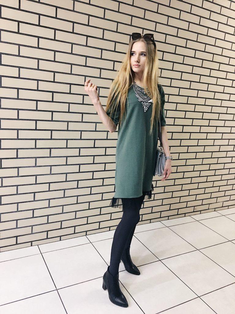 zielona sukienka z koronką